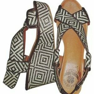Lucky brand woven black and cream Wedge sandles 7